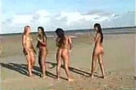 amadoras peladas nuas na praia
