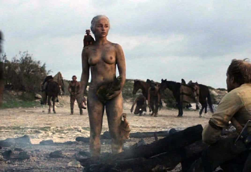 daenerys nua emilia clark pelada