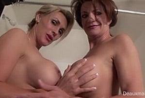 mulheres maduras nuas peladas