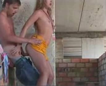 sexo com novinha no xvideo casa abandonada