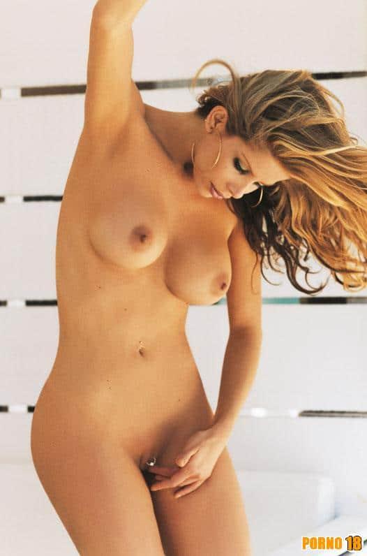 Karina Bacchi nua primeira playby