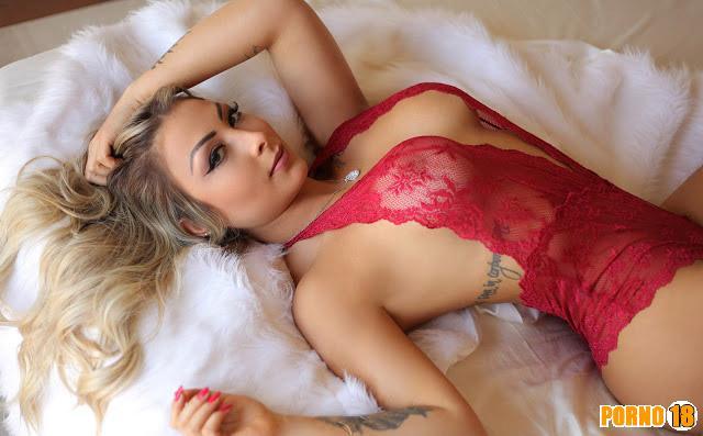 Larissa Wambier lingerie