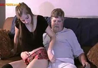 Novinha safada dá a buceta na casa da amiga 6