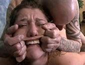 Porno de sexo onlaine violento com garota